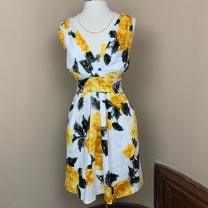 Dresses & Skirts - Corey P Sz 12 sleeveless Rose Pattern Dress